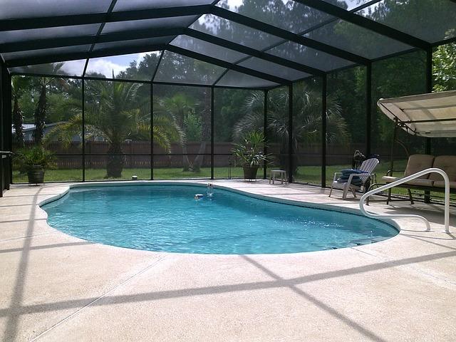 přístřešek na bazén