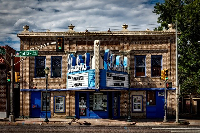 bluebird divadlo