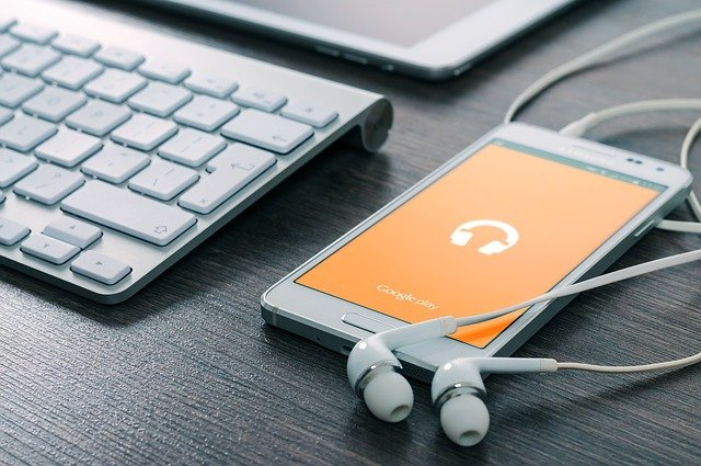 sluchátka k mobilu.jpg