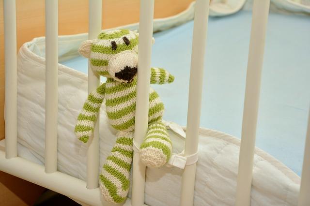 postel pro děti