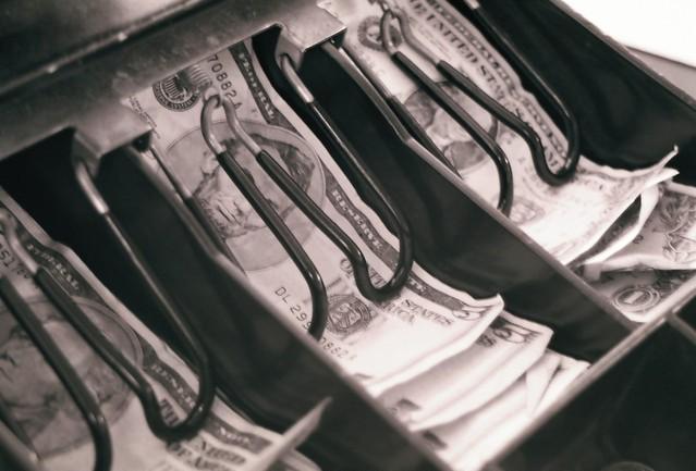 šuplík pokladny